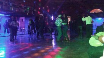 Todos bailando